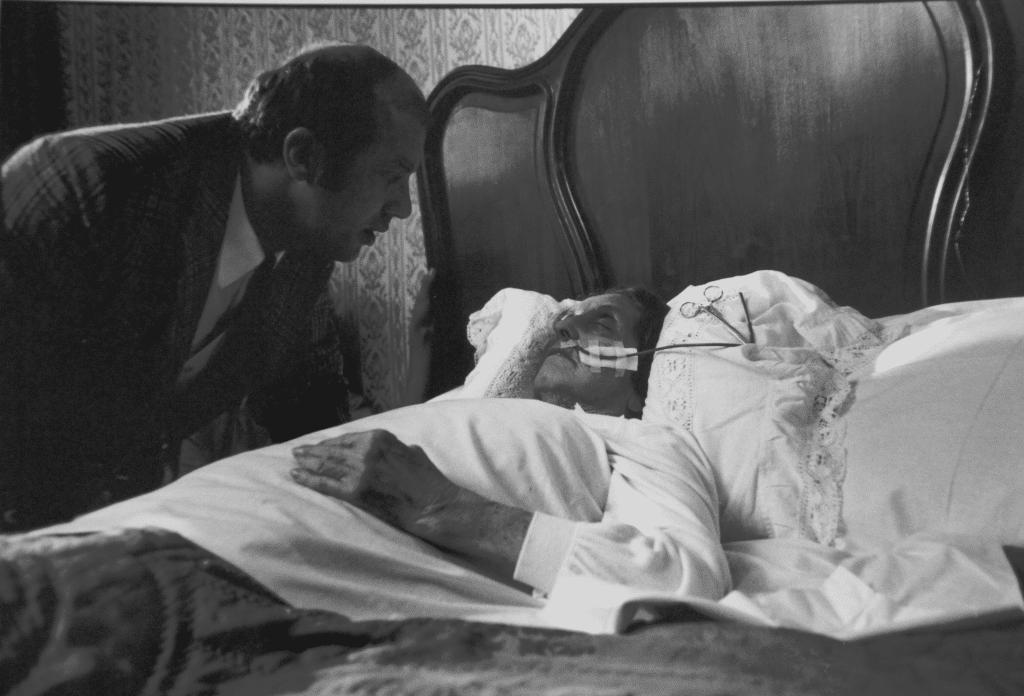 Richard bij het bed van zijn grootmoeder. Gerard Thoolen, Loudi Nijhoff.